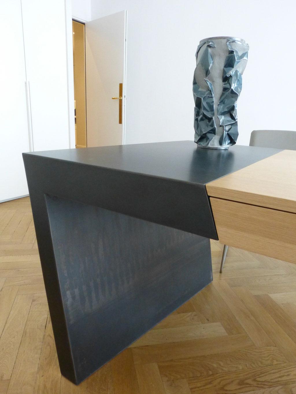 Bureau design en chêne et métal