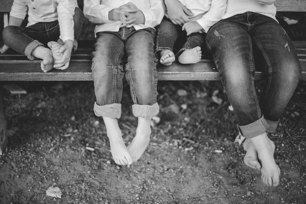 Delphine Grigné, photographe Sarthe, séance photos famille noir et blanc