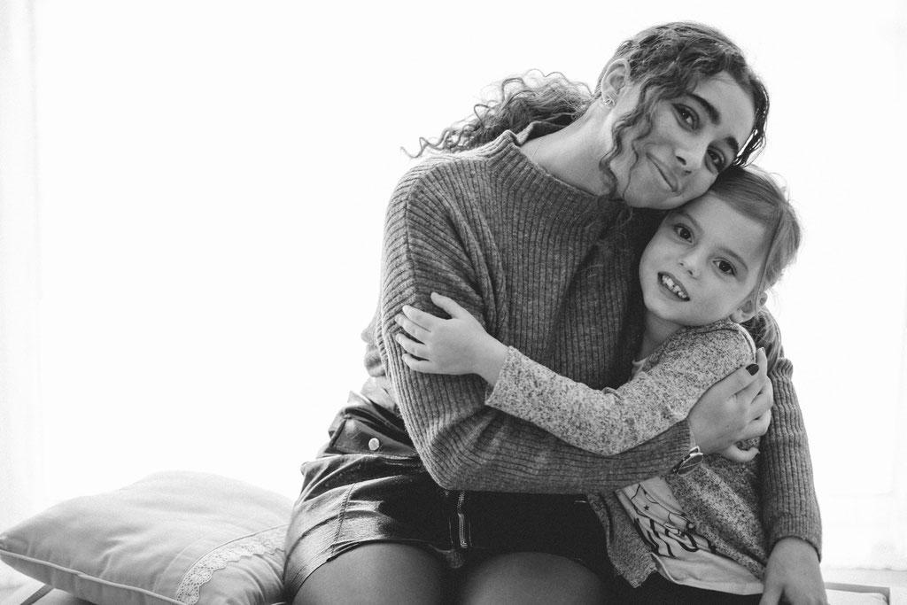 Delphine Grigné, photographe Sarthe, séance photos entre soeurs