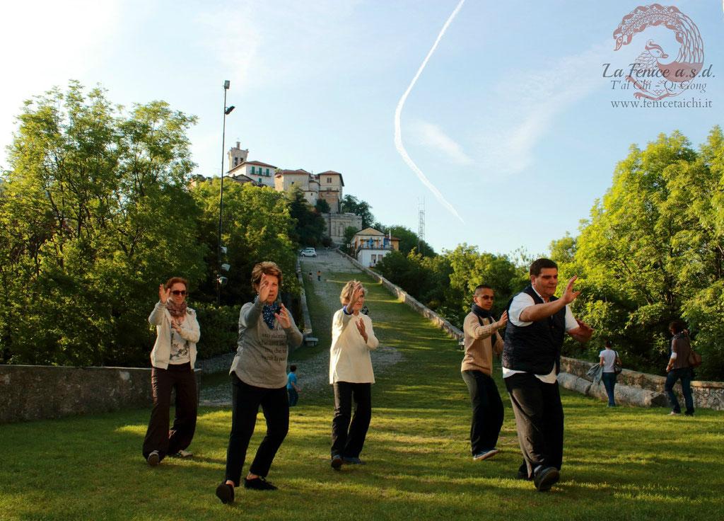 Sollevare le mani ~ Sacro Monte (Va)
