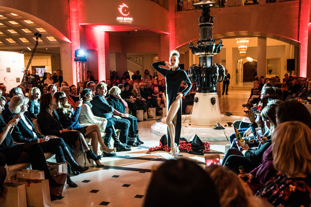 Catwalk im Hotel Adlon Berlin auf der Fashion Week