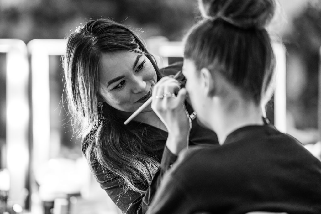 Makeup im Backstage Bereich der Fashion Week Berlin