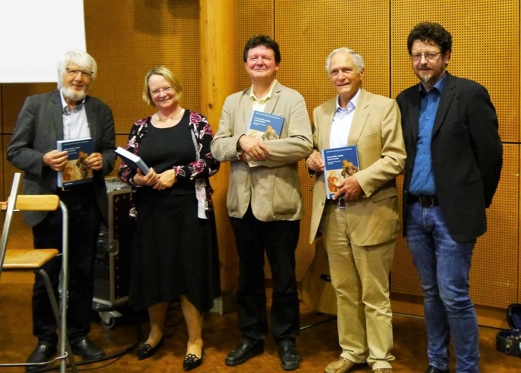 Prof. Dr. Rolf Kießling, Frau Prof. Dr. Sigrid Hirbodian, Dr. Edwin Ernst Weber, Prof. Dr. Thomas Zotz, Rainer Maucher (v. l. n. r.)