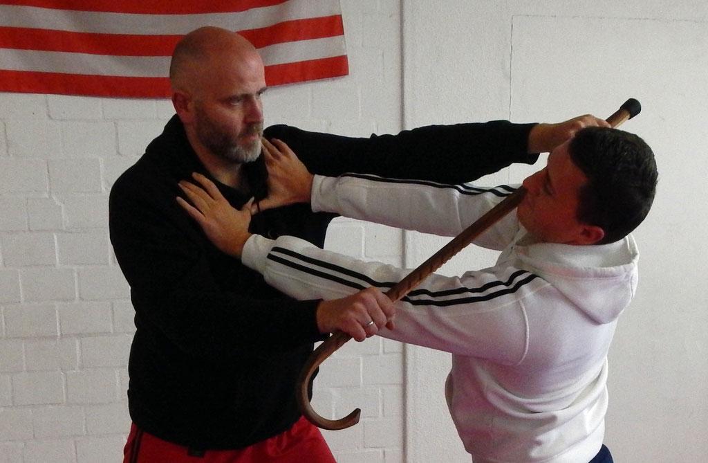 Cane-Defense / Selbstverteidigung der besonderen Art