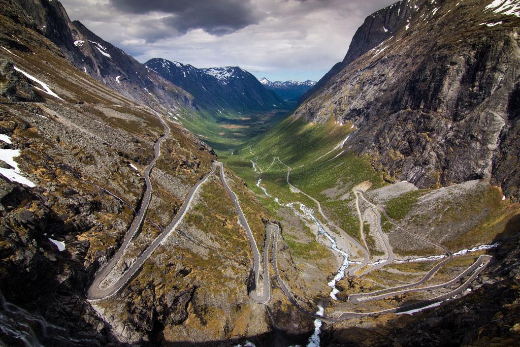 eine der bekanntesten Straßen Norwegens: der Trollstigen