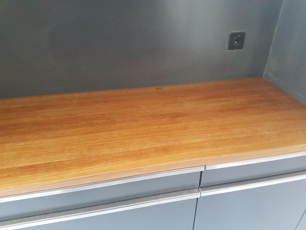 Sanierung Eichen Küchen Abdeckung ( Vorher)
