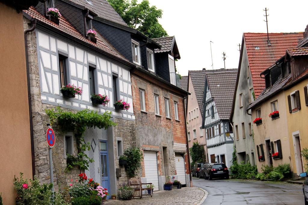 Durch die wunderschöne Altstadt ging es zum ersten Garten der Familie Wüst