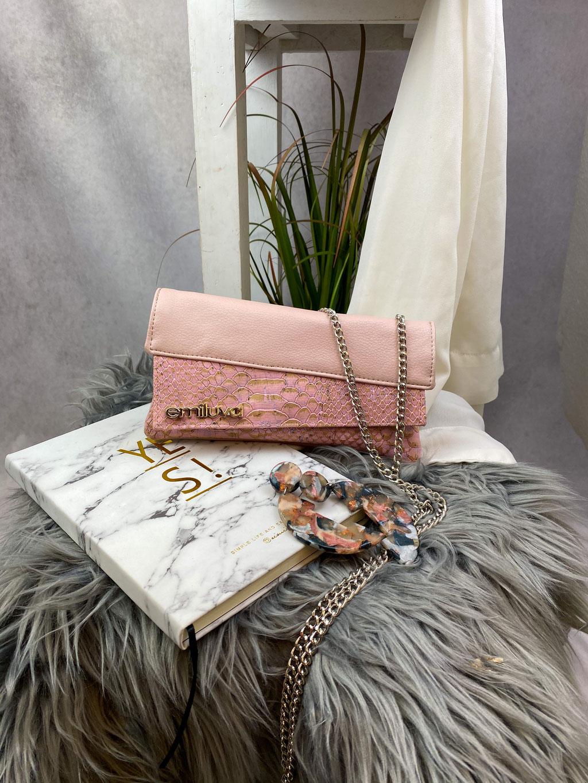 emiluva Wallet aus Kork in Rosa und Kunstleder