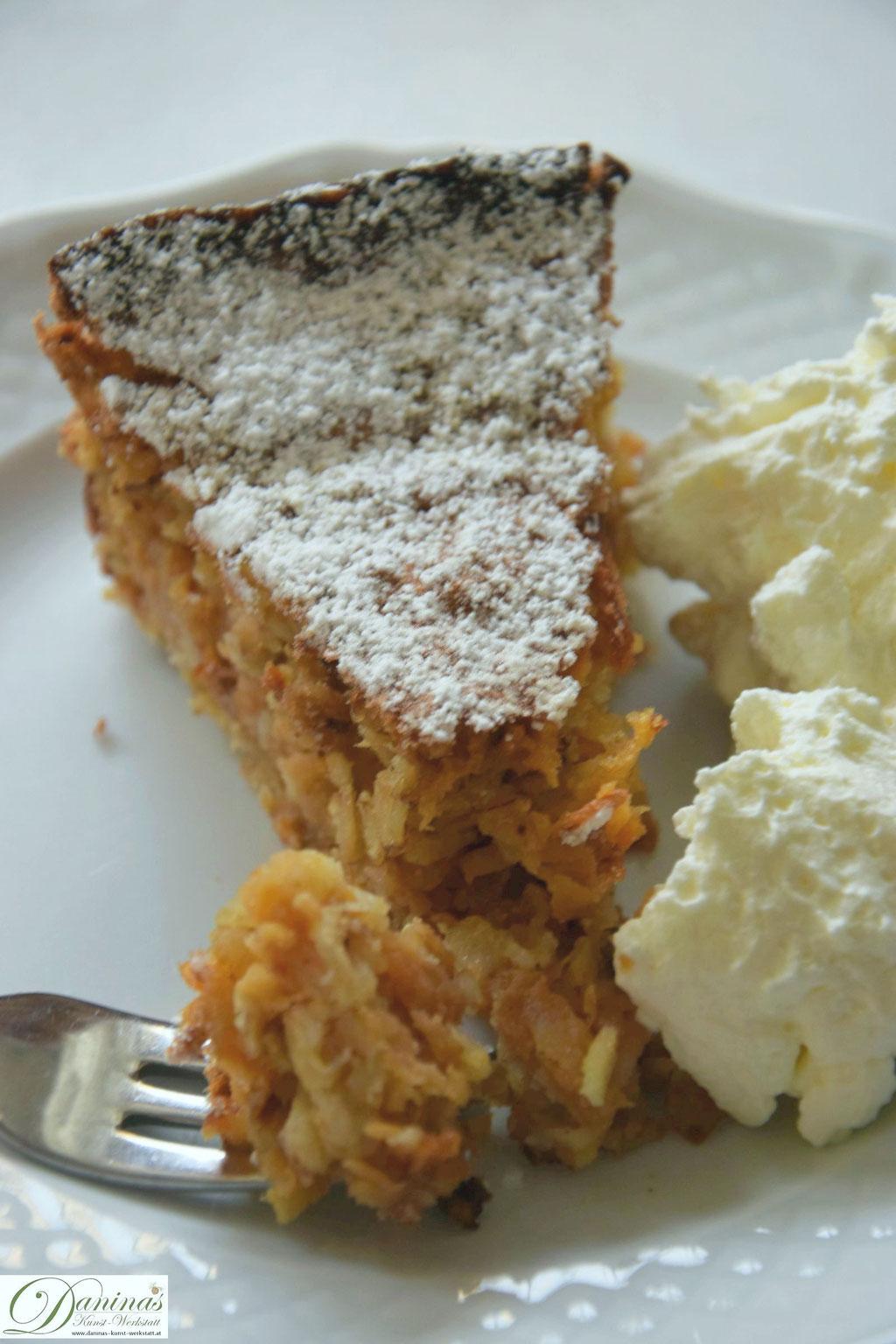Apfel Haferflocken Kuchen mit Sahne zum Sonntagsfrühstück