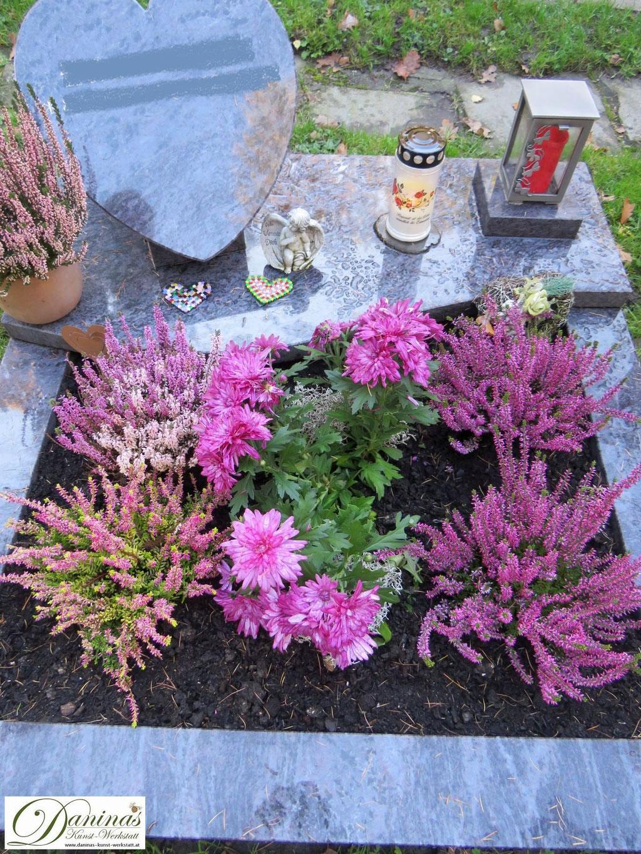 Grabgestaltung Mustergräber - rosa Erikas und Aster