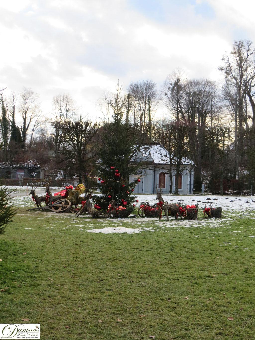 Hellbrunner Adventzauber in Salzburg - Weihnachtsmarkt mit einzigartigem Ambiente.