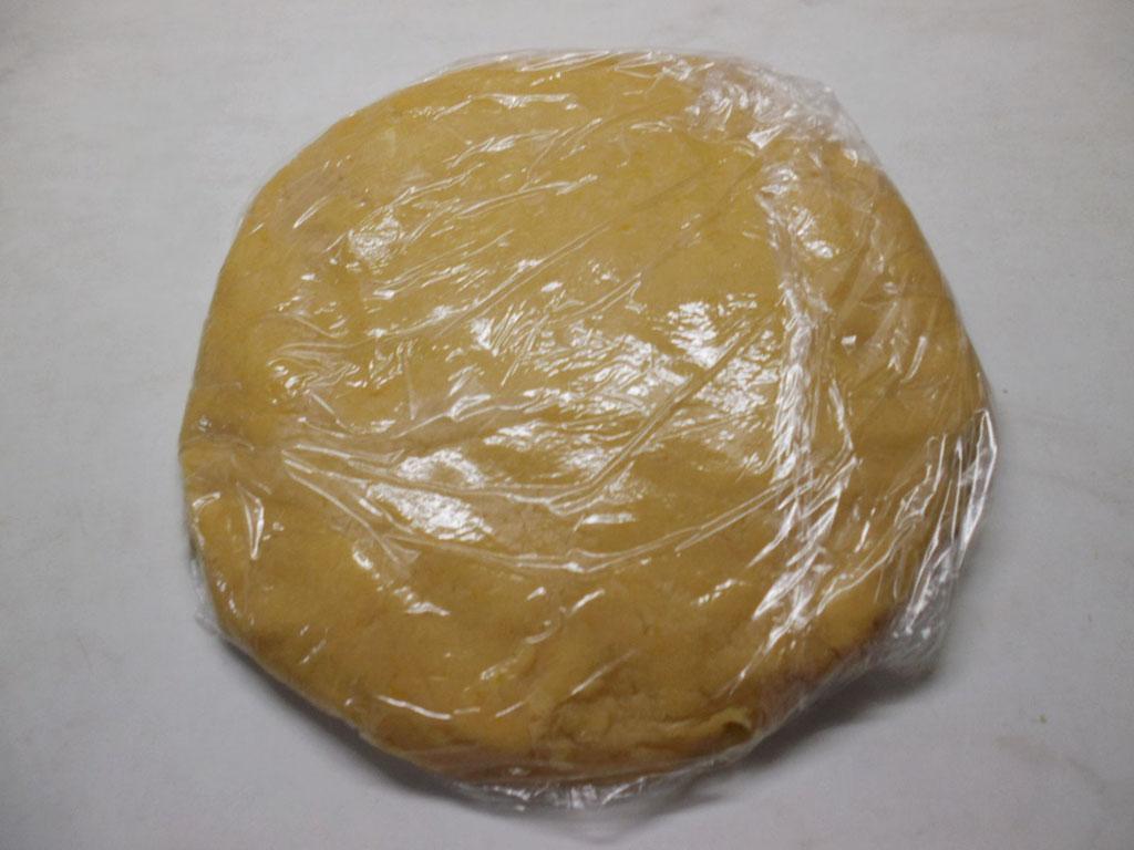 Backtipps Mürbeteig: Der Teig kann roh und gebacken eingefroren werden.