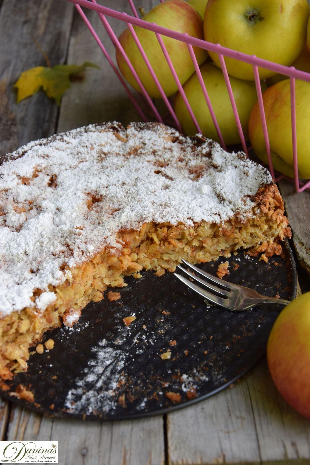 Saftiger Apfelkuchen Rezept mit Haferflocken. Der gesündeste Kuchen aller Zeiten. Ruck zuck gemacht! Einfaches Konditor-Rezept by Daninas Dad mit Schritt für Schritt-Anleitung.