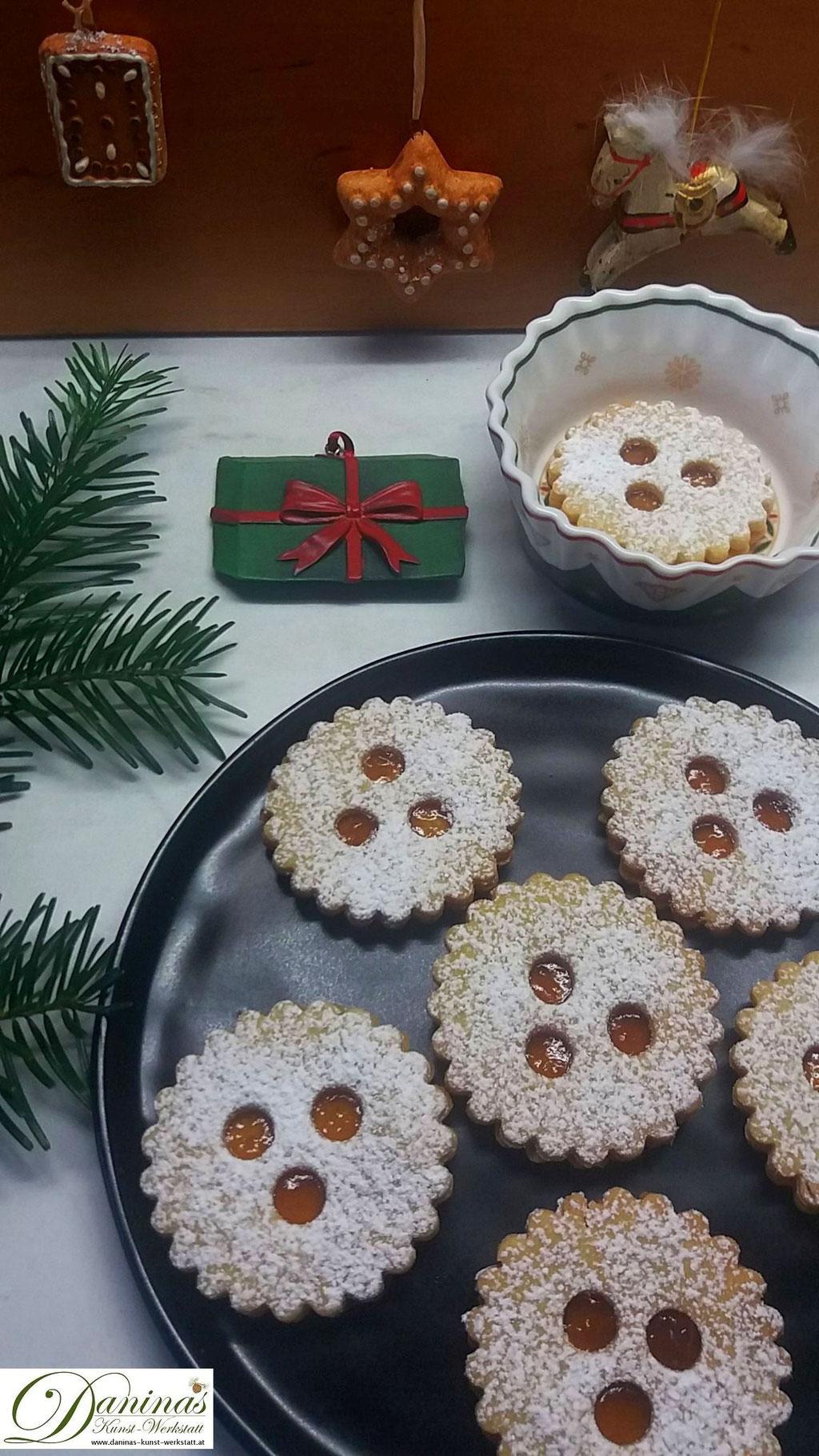 Ischler Plätzchen Rezept. Traditionelle österreichische Weihnachtsbäckerei. Konditor Rezept by Daninas Dad.