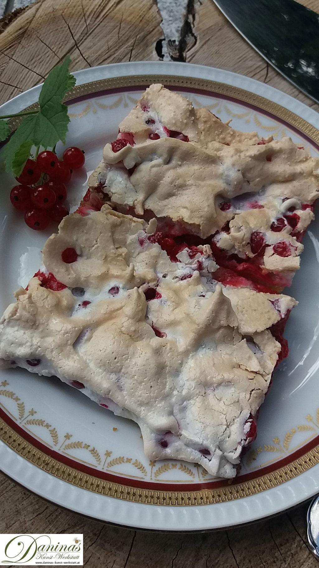 Ribiselkuchen mit Schneehaube. Feiner Mürbeteigkuchen Rezept by Daninas Dad.