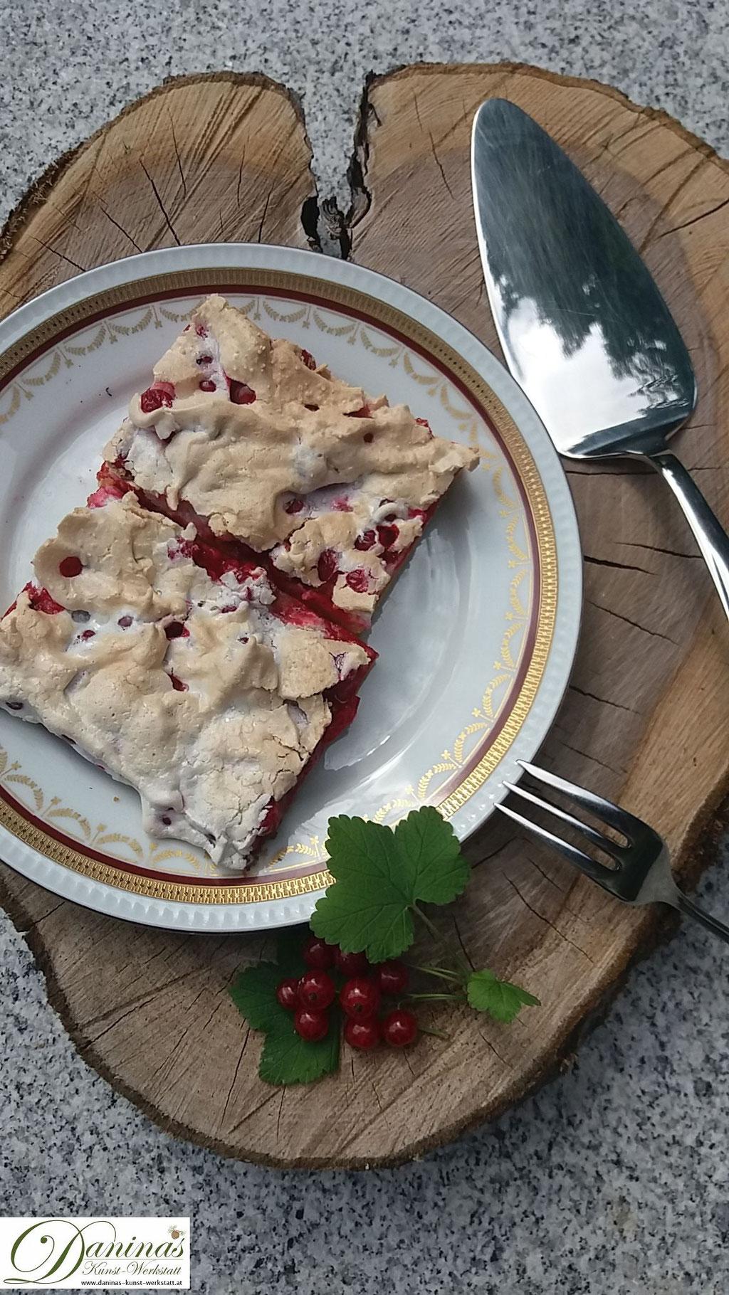 Ribiselkuchen mit Baiser. Rezept mit feinem Mürbeteig.