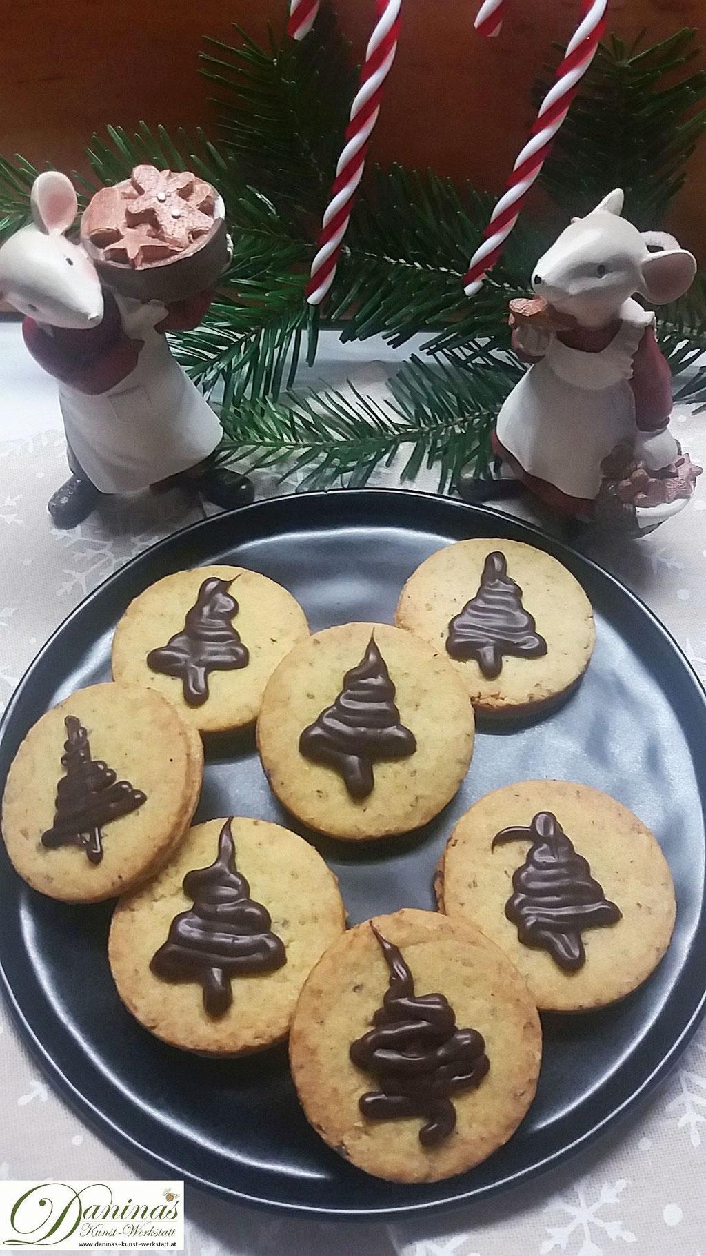 In der Weihnachtsbäckerei: Linzer Kekse Rezept