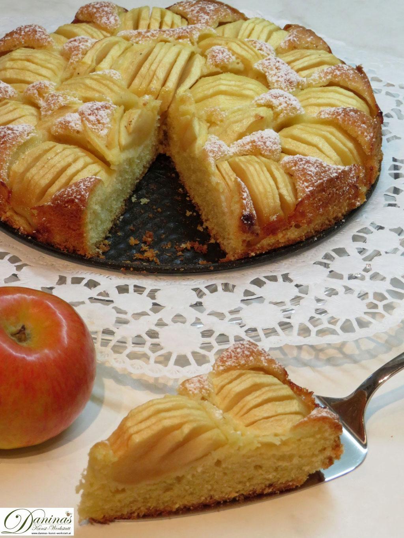 Feiner Apfelkuchen Rezept. Einfach und schnelles Konditor-Rezept by Daninas Dad.