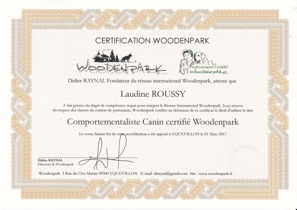ec chiens certification comportementaliste canin professionnel certifié woodenpark pour pouvoir aider le maître a dresser son chien