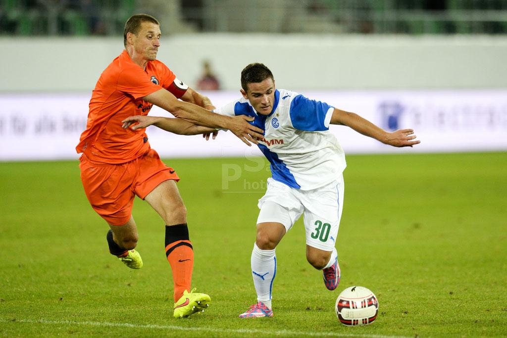 Timmy Simons (Brugge) gegen Shanj Tarashaj (GC) sast-photos