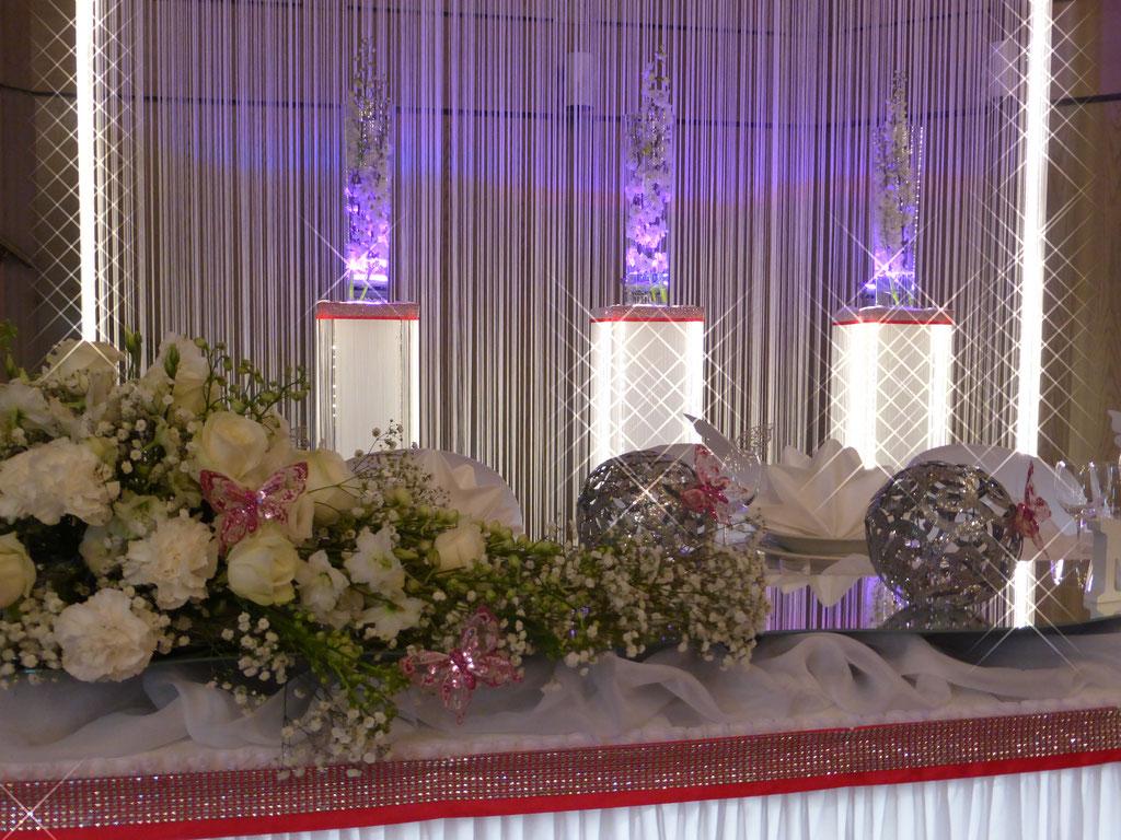Brautpaartisch dezentes pink Blumengesteck