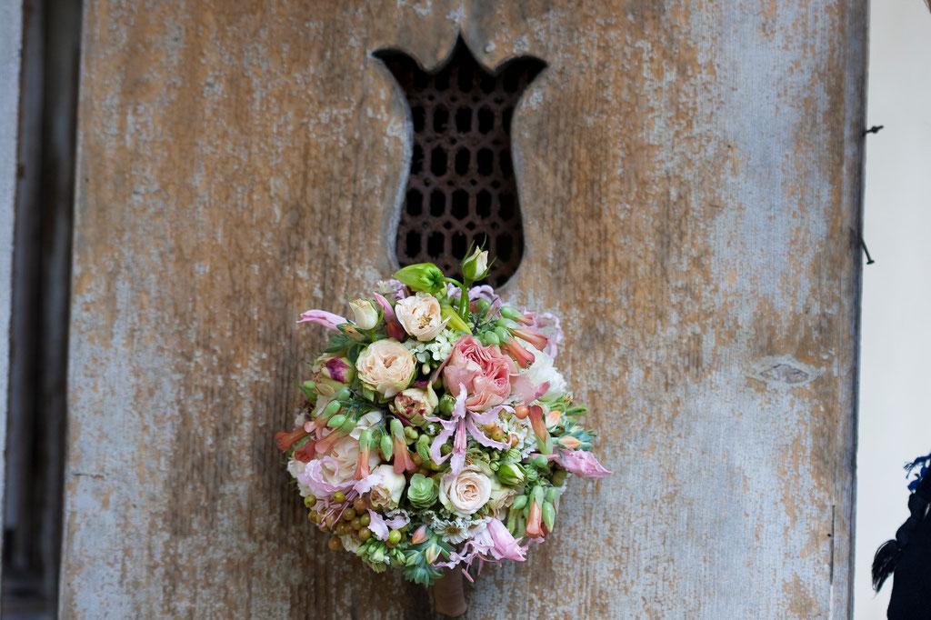 Brautstrauss mit kleinen feinen Sommerblumen  |  190 CHF