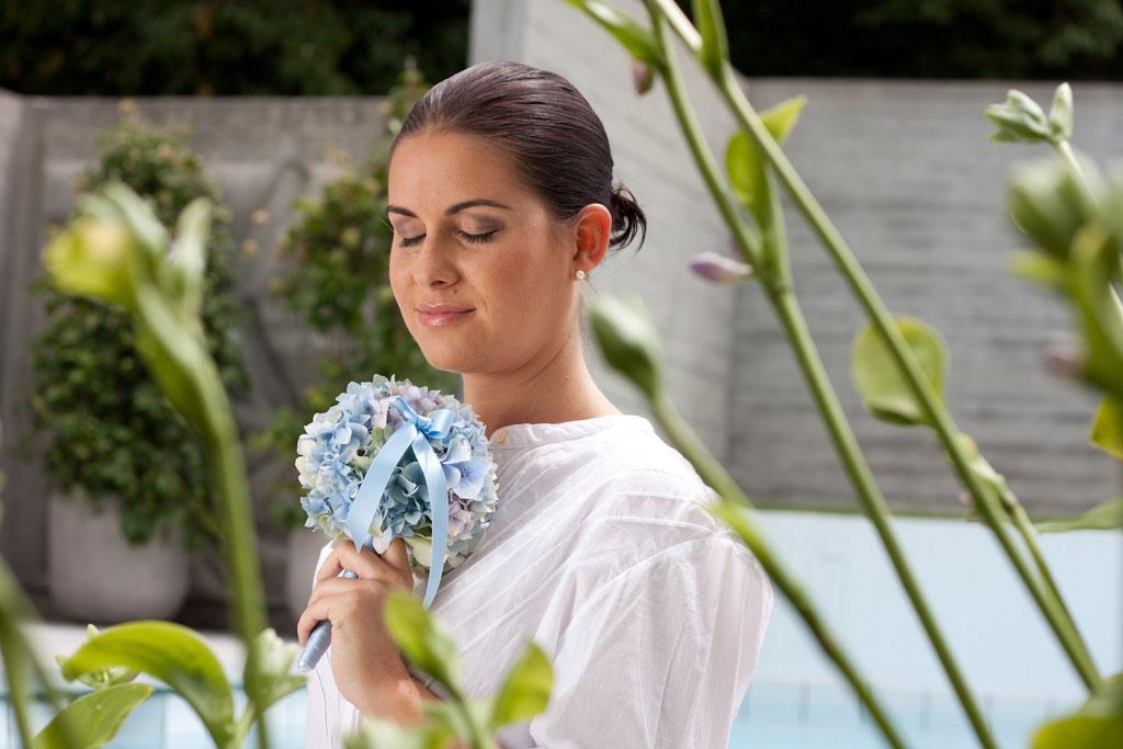 Brautstrauss aus hellblauen Hortensiablüten  |  170 CHF