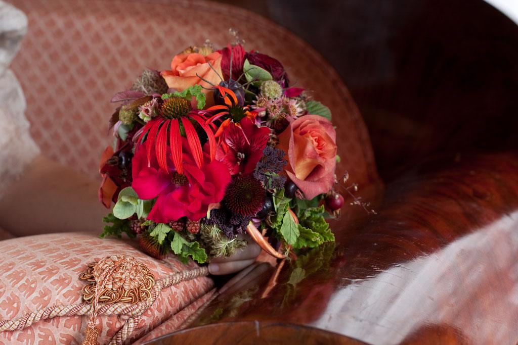 Brautstrauss mit knalligen Sommerblumen  |  155 CHF