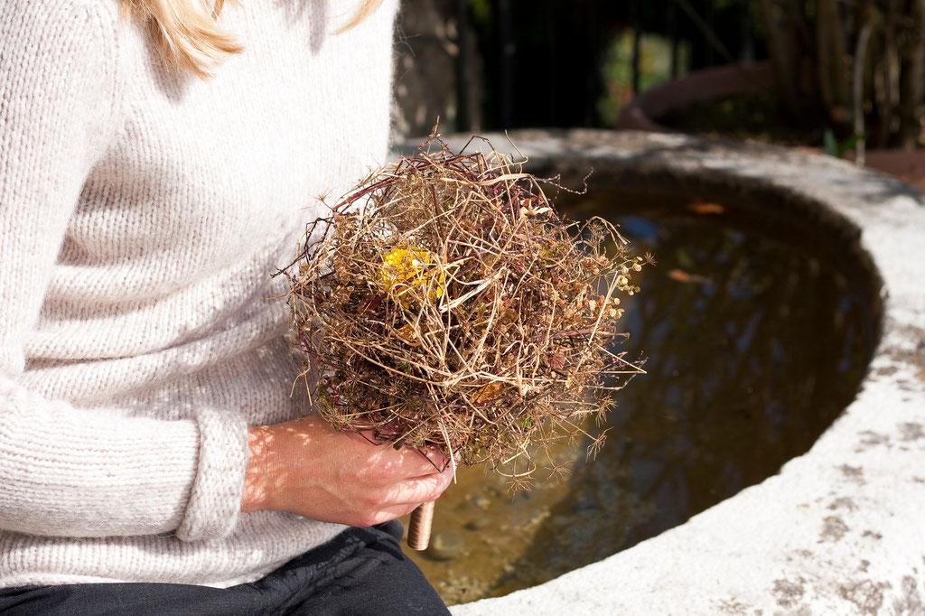 Brautstrauss 'Edle Blüte geschützt in natürlichen Gräser'  |  125 CHF