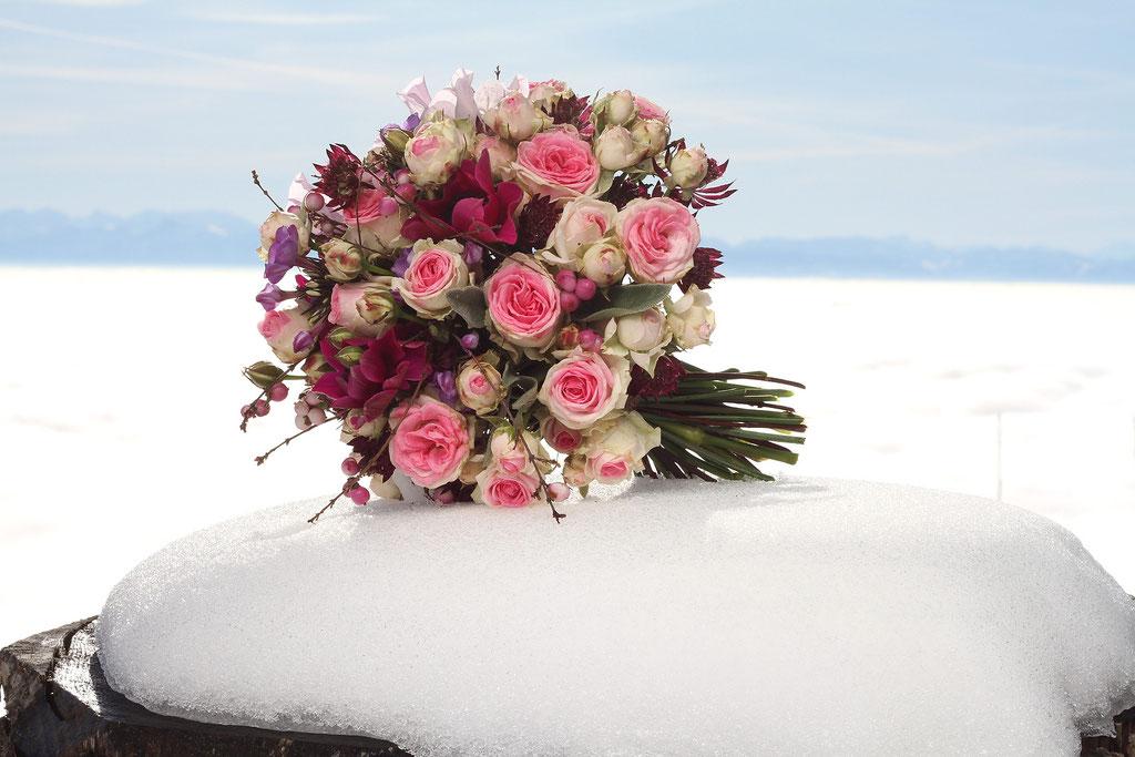 Brautstrauss mit kleinen Gartenrosen  |  160 CHF