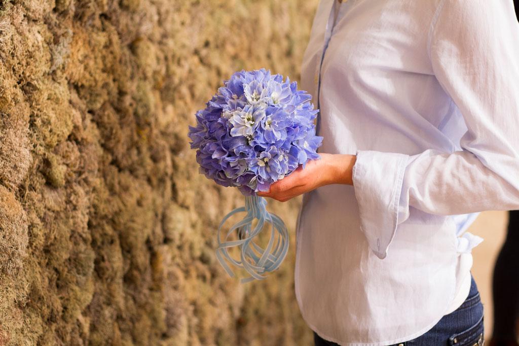 Brautstrauss aus hellblauen Delphiniumblüten  |  190 CHF