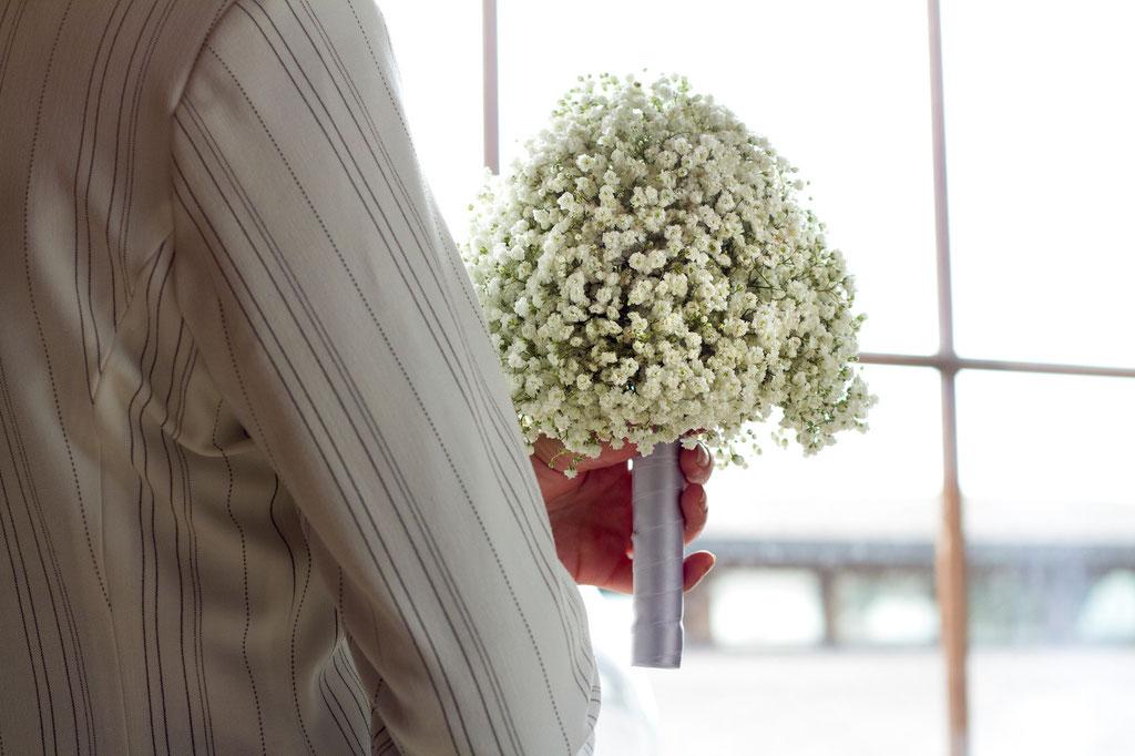 Brautstrauss aus feinem Schleierkraut  |  145 CHF