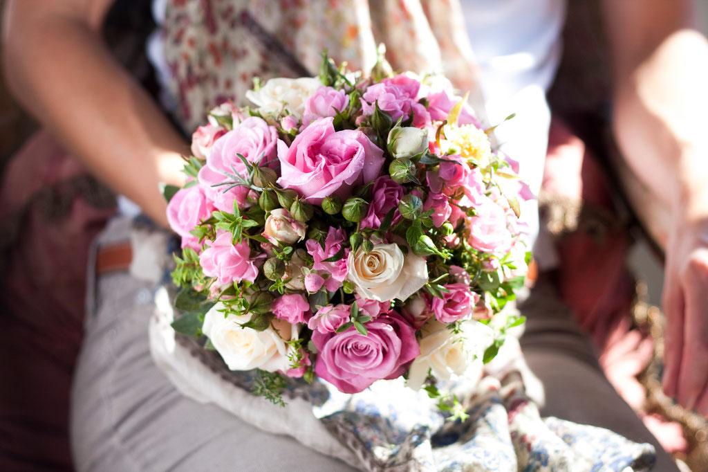 Brautstrauss aus gemischten Gartenrosen  |  175 CHF