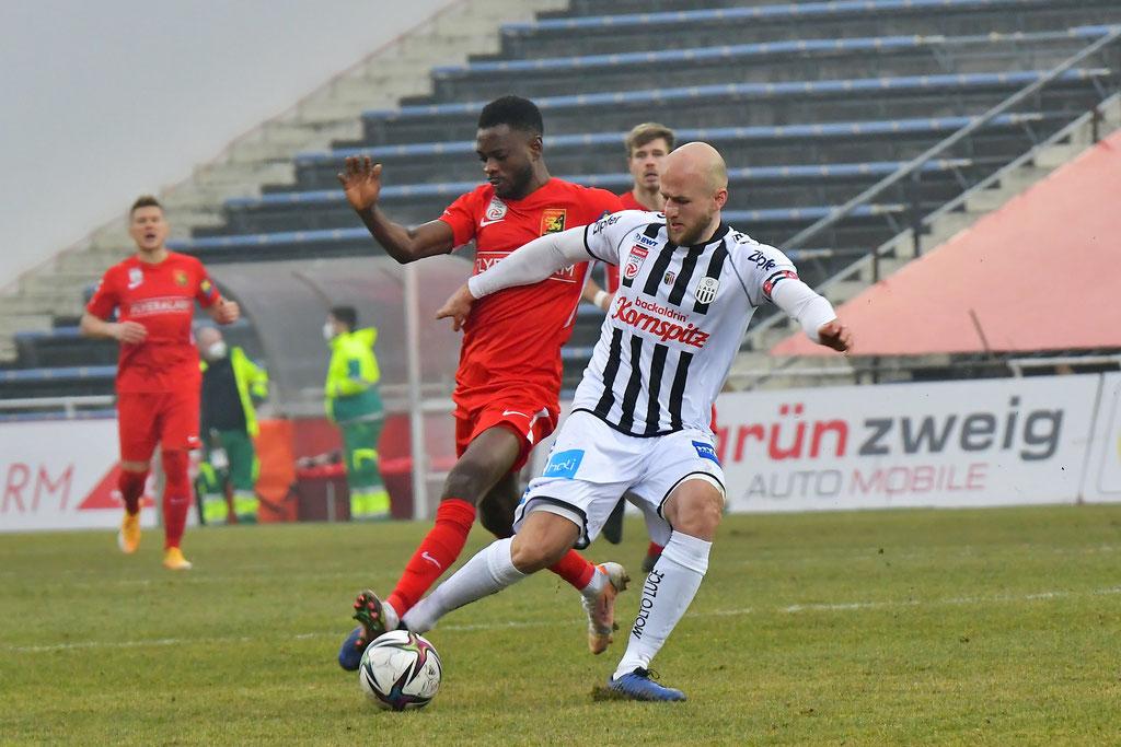 David Atanga konnte erneut seine Schnelligkeit und gute Technik in der Vorwärtsbewegung ausspielen