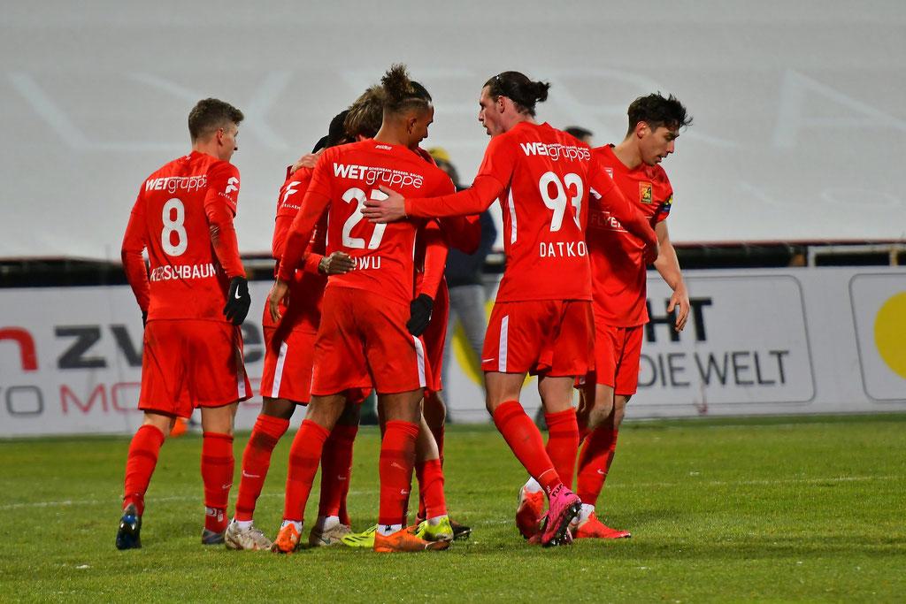 Das Team freute sich geschlossen über den Erfolg gegen Altach