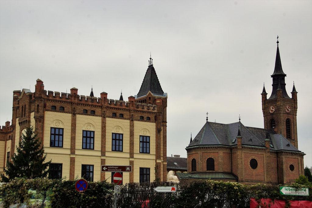 Die Waisenhauskirche mit angeschlossener Schule unweit des jetzigen Standorts des Mödlinger Stadions