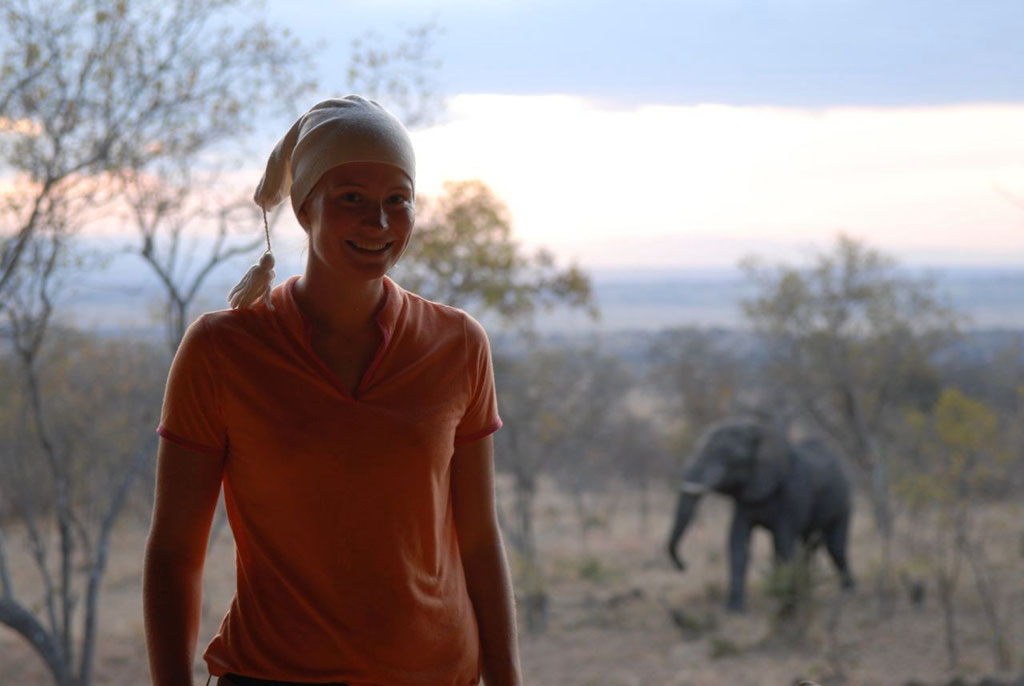 Kenia, mit Elefant und Maria
