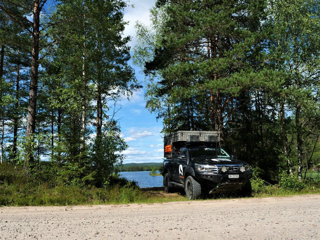 Norwegen Landscape Toyota Hilux Pickup-camper Arctic Trucks Skandinavien #ProjektBlackwolf wolf78 driive your own way offroad overland Travel Camping 4x4 AFN4x4 frontrunneroutfitters #BornToRoam Rival4x4  overlandbound wolf78-overland.ch