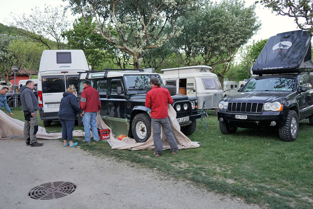 Lago di Mergozzo Continental Camping Village wolf78-overland.ch Jeep Grand cherokee WH 4x4 overlanders Blacklandy ostern