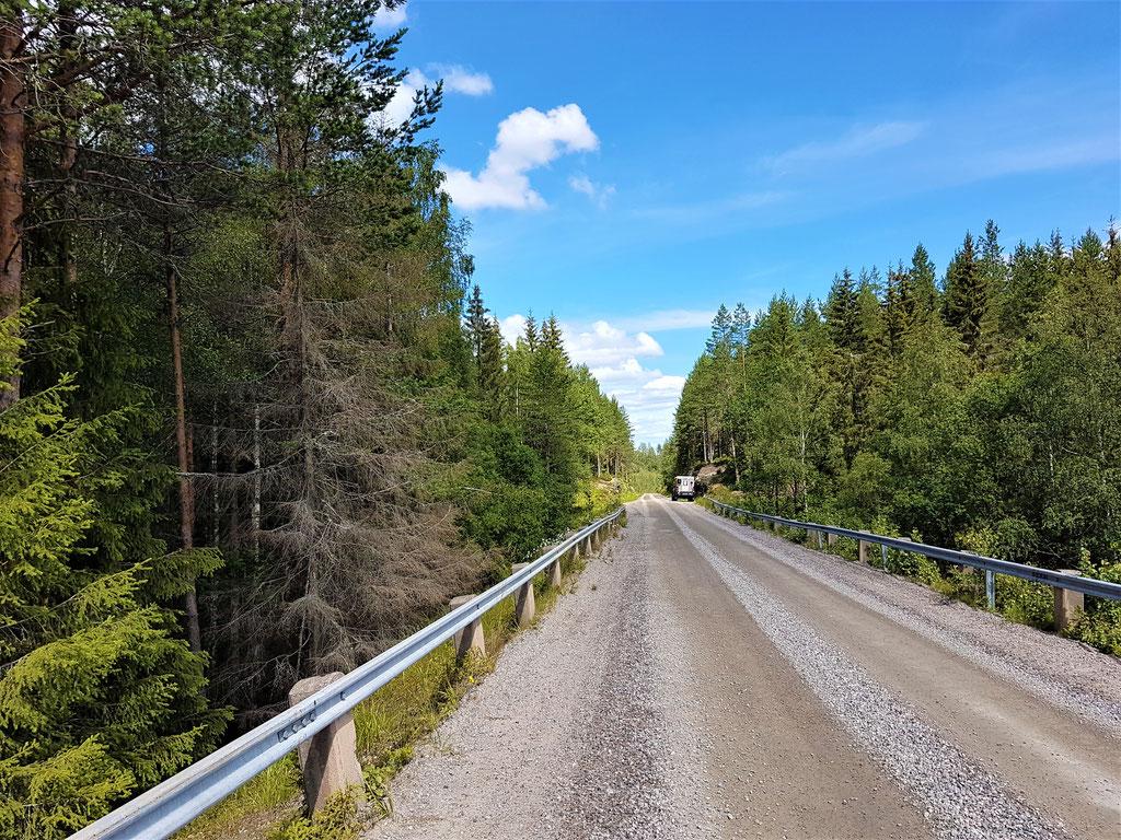 Norwegen Gravell Road Toyota Hilux Pickup-camper Arctic Trucks Skandinavien #ProjektBlackwolf wolf78 driive your own way offroad overland Travel Camping 4x4 AFN4x4 frontrunneroutfitters #BornToRoam Rival4x4  overlandbound wolf78-overland.ch