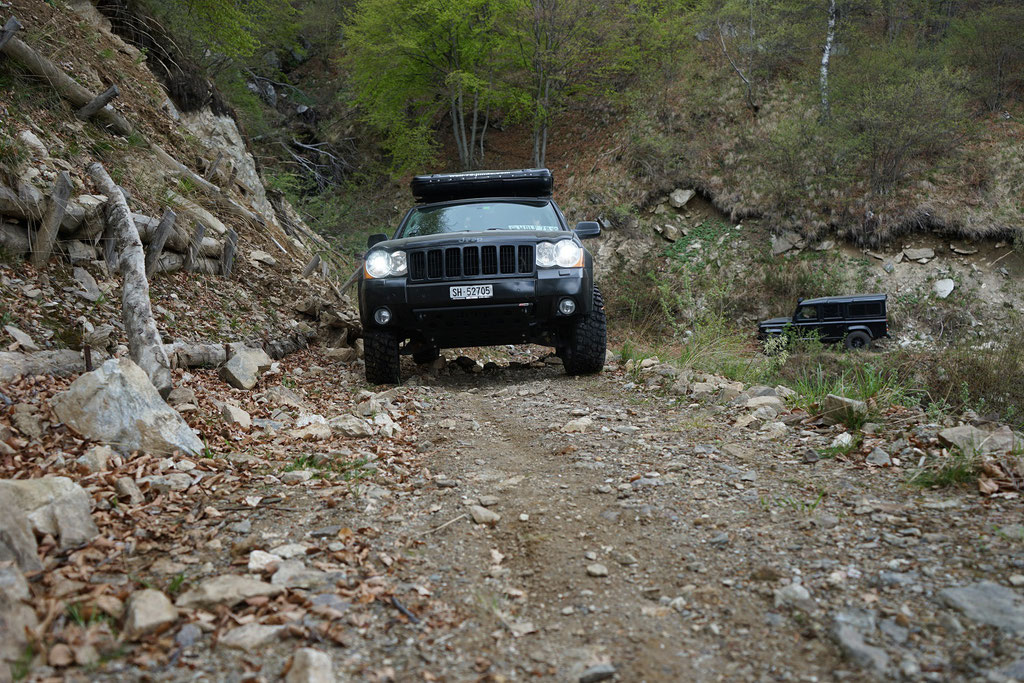 Lago di Mergozzo offroad Camping Blacklandy ostern wolf78-overland.ch Jeep Grand cherokee WH 4x4 overlanders