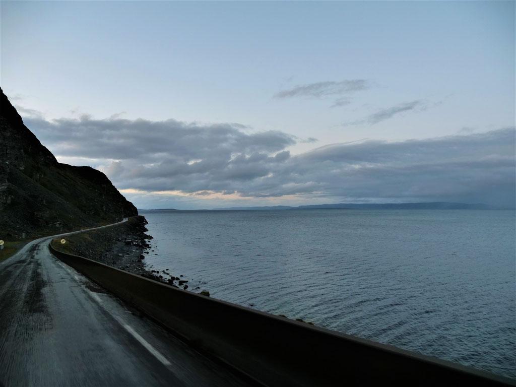 Porsangerfjord Norwegen Norge #NordkappUndZurück #Driveyourownway #explorewithoutnoimits wolf78-overland