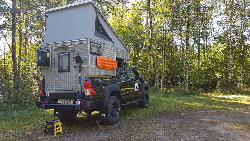 Schweden Toyota Hilux Pickup-camper Arctic Trucks overland Travel Camping #ProjektBlackwolf Skandinavien wolf78  explore without no limits roadtrip offroad Overlandingnomads Overlandbound wolf78-overland.ch