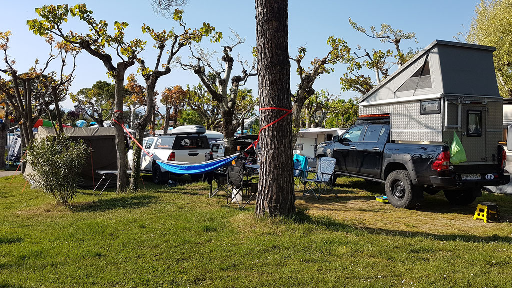 Camping Fosallta Italien Toyota Hilux Revo 2017 2.4 #ProjektBlackwolf wolf78 EXkap Alu-cab offroad overland Camping 4x4 AFN Steelbumper frontrunneroutfitters OZtent Maxtraxx Alu-cab Winch Rival4x4bfgoodrich TJM Sknorkel wolf78-overland.ch