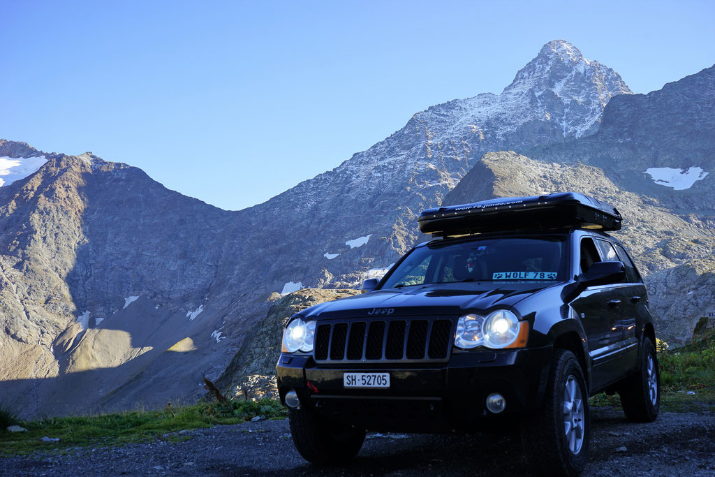 Susten Pass Jeep Grand Cherokee 3.0 crd WH WK Wolf78 overland expedition offroad 4x4 camping overlanding taveling Schweiz wolf78-overland.ch