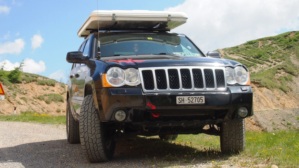Jeep Grand cherokee 3.0 crd WH WH overland expedition offroad Tre Valli Höhenstrasse Dachzelt wolf78-overland.ch