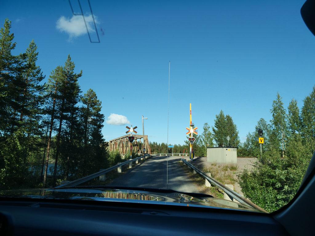 Eisenbahnbrücke Schweden Skandinavien #NordkappUndZurück #Driveyourownway #explorewithoutnoimits wolf78-overland