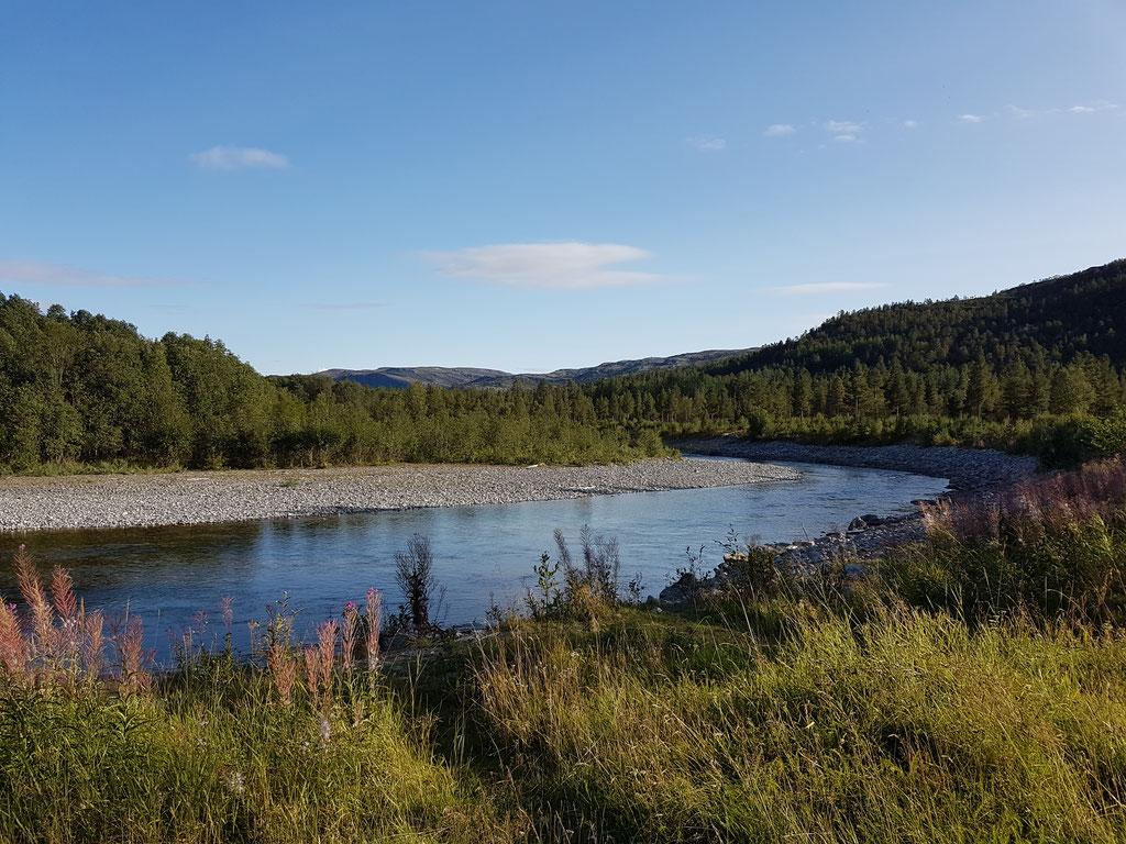 Alta Norwegen Fluss Skandinavien wolf78 vanlife #ProjektBlackwolf explore without no limits roadtrip offroad overland Travel Camping #BornToRoam overlandbound Overlandingnomads Dachzeltnomaden wolf78-overland.ch