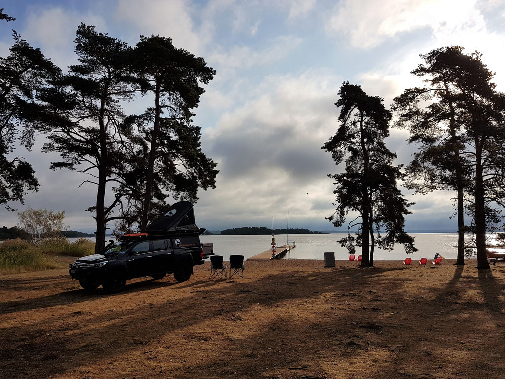 Kalmar Camping Rafshagsudden Schweden Skandinavien #Projektblackwolf #NordkappUndZurück Toyota Hilux overland James Baroud Discovery #Driveyourownway #explorewithoutnoimits ltprtz Strand