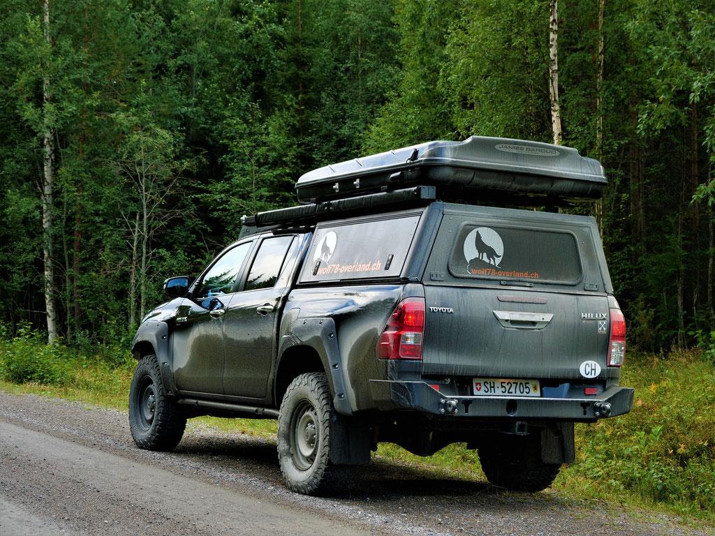 Toyota Hilux Schweden vildmarksvägen Skandinavien wolf78 #ProjektBlackwolf explore without no limits roadtrip offroad overland Travel Camping Overlandingnomads Dachzeltnomaden wolf78-overland.ch